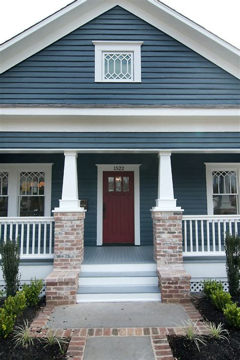 What Color To Paint Porch Floor by This Color Scheme What Are The Colors Of The Siding