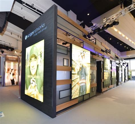 booth design retail scripps networks international booth by glow exhibitions