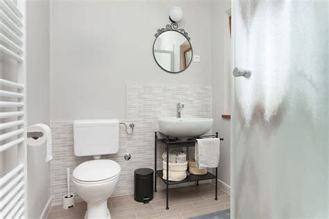 arredare il bagno piccolo come arredare un bagno piccolo ristruttura con made