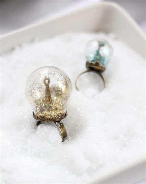 Ring Stand Water Glitter glitter snow globe ring helloglow co