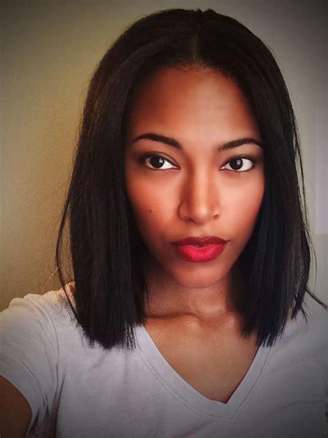 Bobs Hairstyles With Weave Middle Part   HairStyles