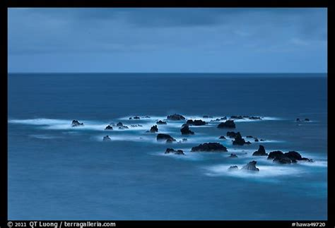 Hawa Acean Colour picture photo offshore rocks in hawaii usa