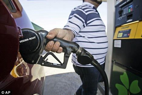 us gas prices fall below $3 per gallon for first time in