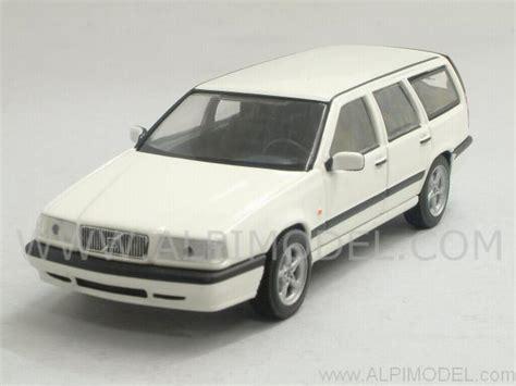 Volvo 850 Estate 1996 White 1 43 Minichs 430171412 New minichs volvo 850 1996 white 1 43 scale model