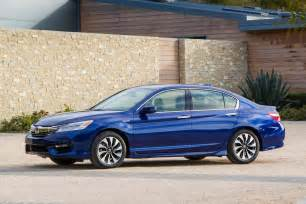 2017 honda accord hybrid drive review