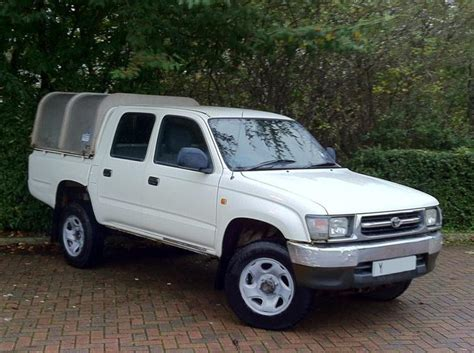 used 2001 toyota hilux 4wd dcb p u ex for sale in west