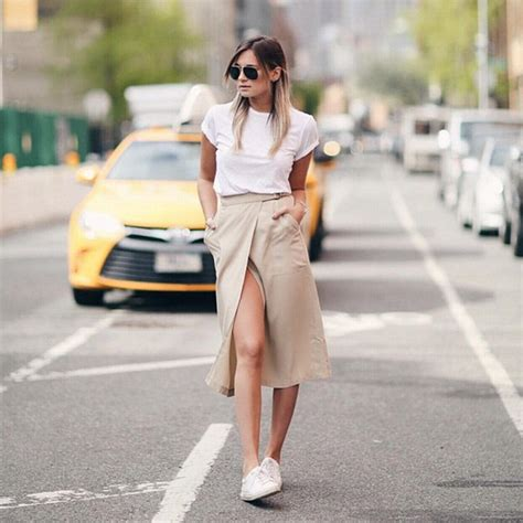 blogger on instagram danielle bernstein the fashion blogger who makes 15 000