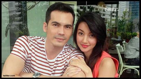 pasangan film romantis indonesia entertainment news pasangan selebriti yang bertemu saat