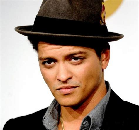 biographie de bruno mars bruno mars parole traduction biographie chansons