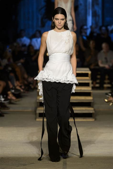 New Fashion Show by Kendall Jenner At Gvenchy Fashion Show In New York