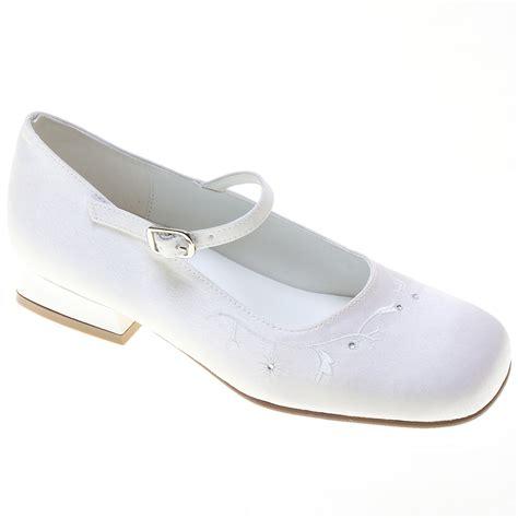 holy communion shoes holy communion shoes with diamantes cachet