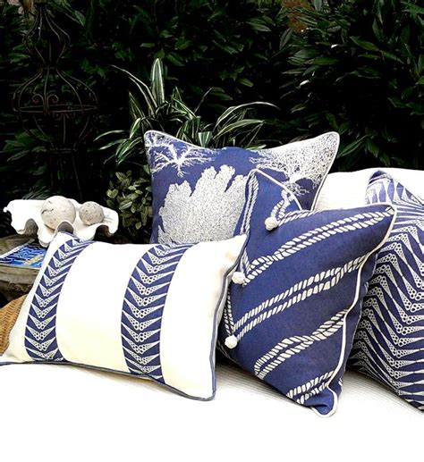 25 best ideas about outdoor pillow on patio