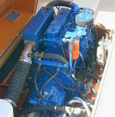 small boat gas engines boat engines choosing gas or diesel boats