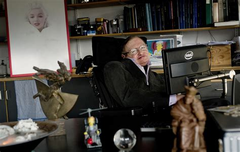 scienziato sedia a rotelle buon compleanno stephen hawking