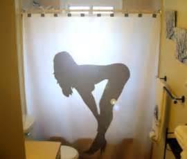 nackte frau in der dusche shower curtains 20 pics curious photos