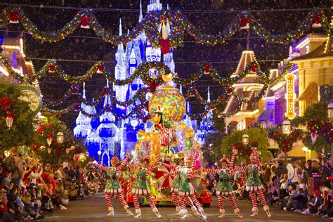 christmas at walt disney world go mom
