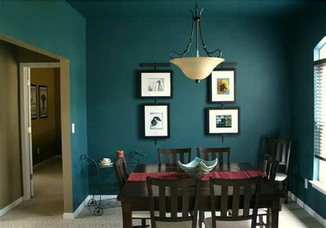 fantastic dark green color in the dining room decobizz com