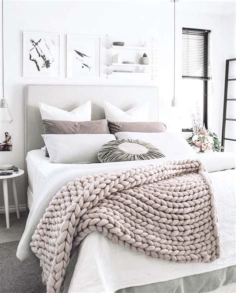 how to decorate a white bedroom best 25 white bedroom decor ideas on pinterest white
