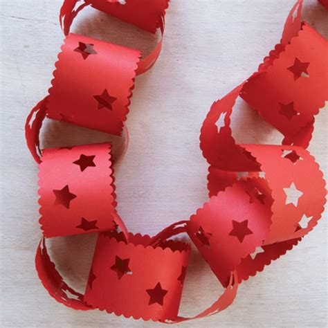 paper christmas decorations to make at home decorative paperchains how to make christmas decorations