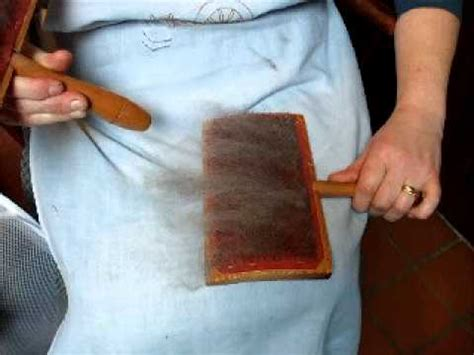 carding wool tutorial using hand carders with wool youtube