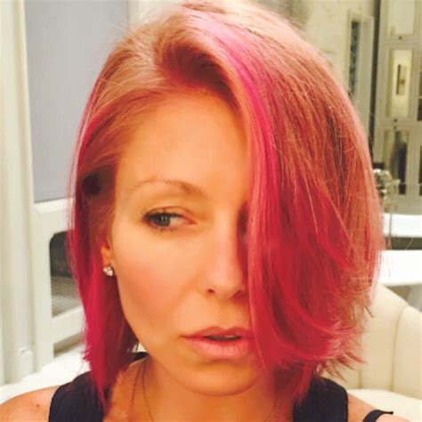 kelly ripa hair style 2015 kelly ripa dyes her hair pink see the new do