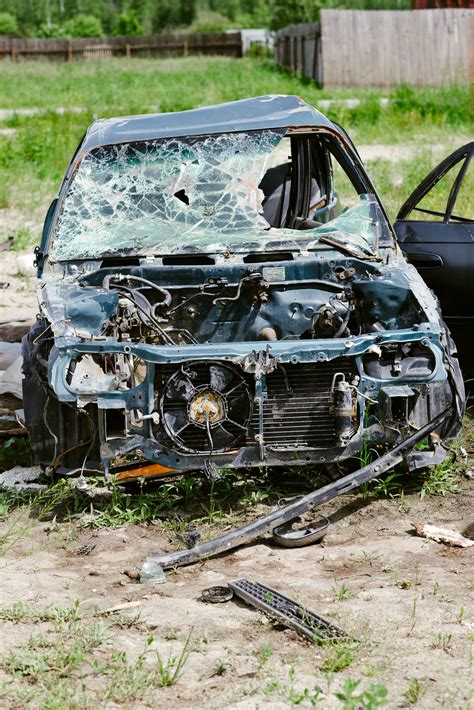horrific car crashes on the 5 most horrific car accidents in history car repair