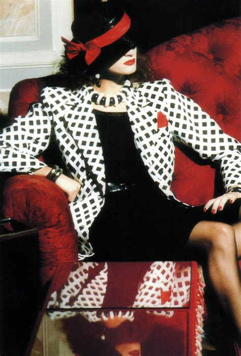 Or Fabulous Kate Moss Stain Ysl by Picasso In Yves Laurent Photographer Helmut