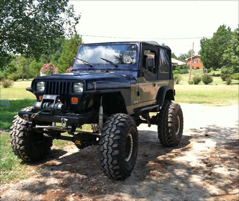 lifted jeeps lifted jeep wrangler yj pictures to pin on pinterest