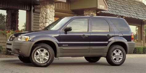 2004 Ford Escape Recalls by Ford Recalling 485 000 2001 04 Escapes To Fix Unintended