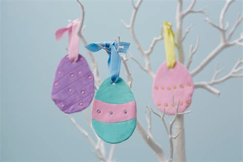 how to make easter eggs how to make clay easter egg decorations hobbycraft