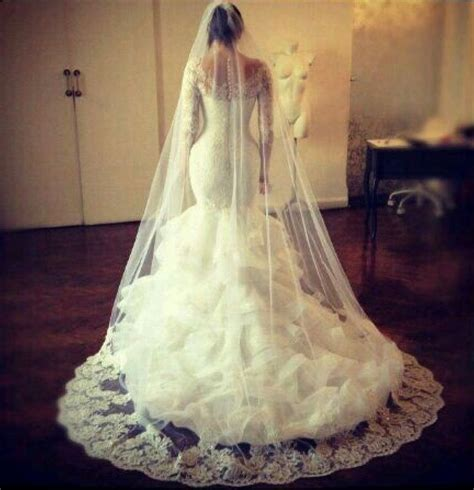 25  best ideas about Hourglass Wedding Dress on Pinterest