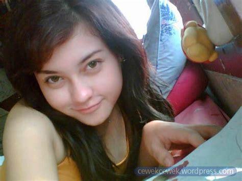 cewek cantik tidak bugil lagi indonesia banget meta tag