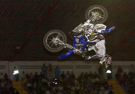 freestyle motocross deaths jeremy lusk dies at 24 freestyle motocross star la times