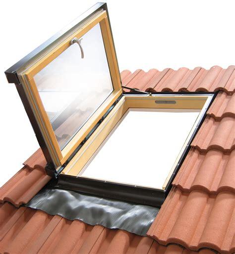 ventana techo ventana de techo xl colecci 211 n ventanas abuhardilladas by luxin