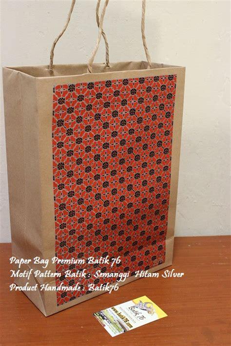 Paper Bag Souvenir Kantong Tenteng Tas Kertas Goodie Bag Paper Box jual paperbag tas kertas handmade batik motif semanggi hitam kartu ucapan batik kartu ucapan