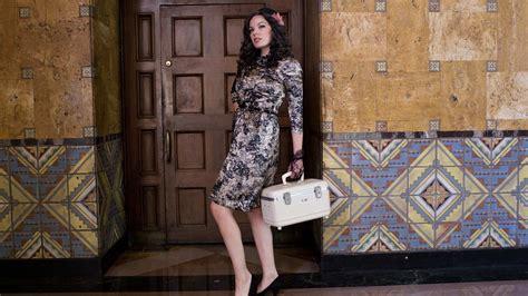 wallpaper girl vintage vintage girl fashion style hd wallpaper hd wallpaper of