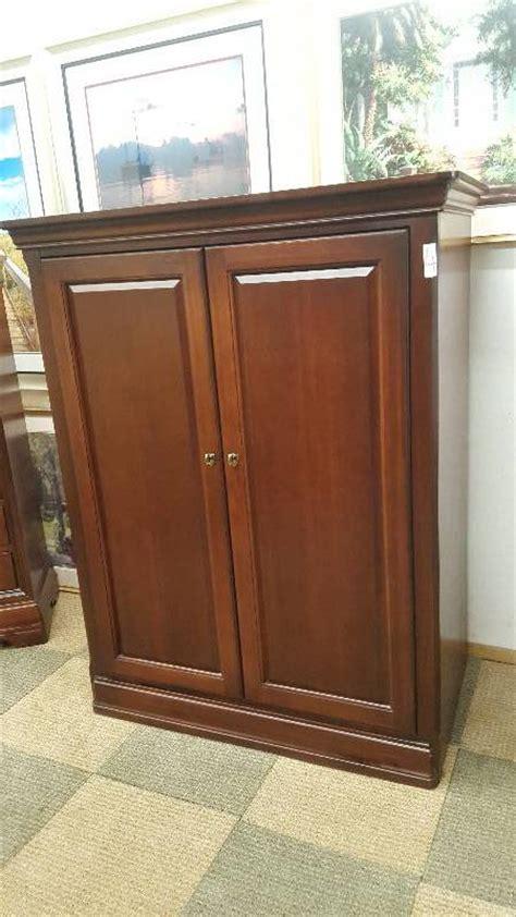 Hideaway Cabinet Doors Thomasville Cabinet With Hideaway Doors High End Furniture Ls Picurestop Brands Lightly