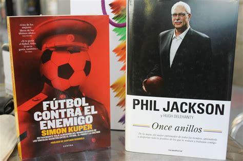 futbol contra el enemigo el deporte en la feria del libro mucha variedad tambi 233 n mucha calidad