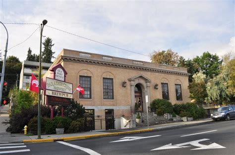Pullman Post Office by 15 Small Towns In Washington With Great Restaurants