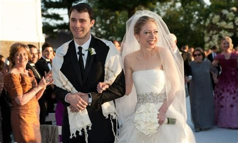 chelsea clinton wedding chelsea clinton nipples picture chelsea clinton in a skirt