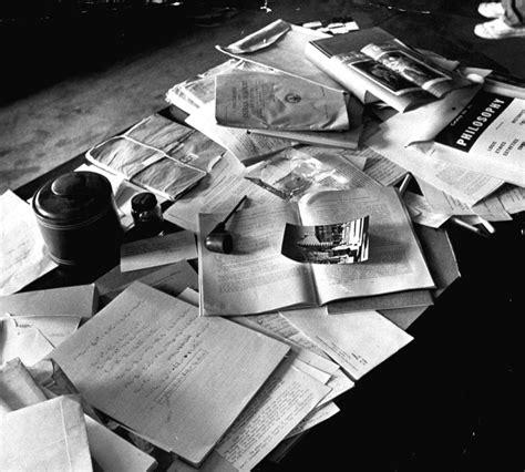 Albert Einsteins Desk einstein s desk masculine interiors
