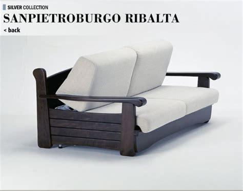 divani letto con struttura in legno divano sanpietroburgo ribalta divani linea legno