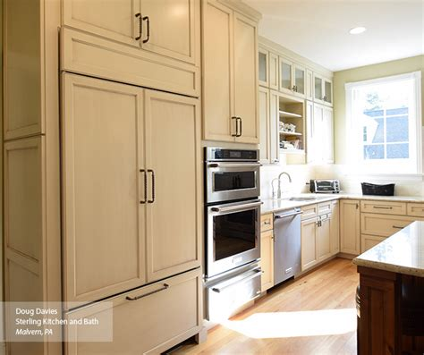 Glazed Cabinets Out Of Style by Glazed Kitchen Cabinets Omega Cabinetry