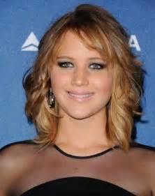 wwwmedium hairstyles for 30s medium length haircuts for women in their thirties