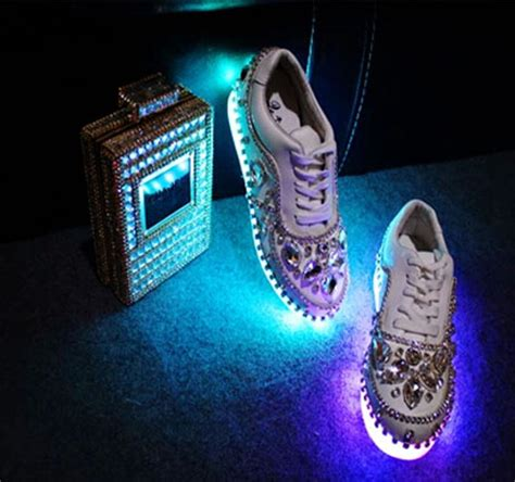 glow in the shoes 2015 new colorful lights led shoes rhinestone sneakers