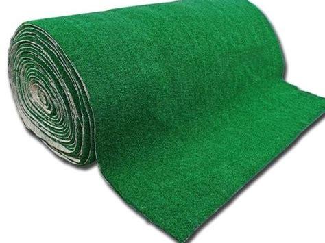 tappeto erboso sintetico prezzi prato sintetico materiali per il giardino