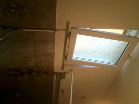 finestre bagno progetto posa finestra bagno a ribalta con maniglia