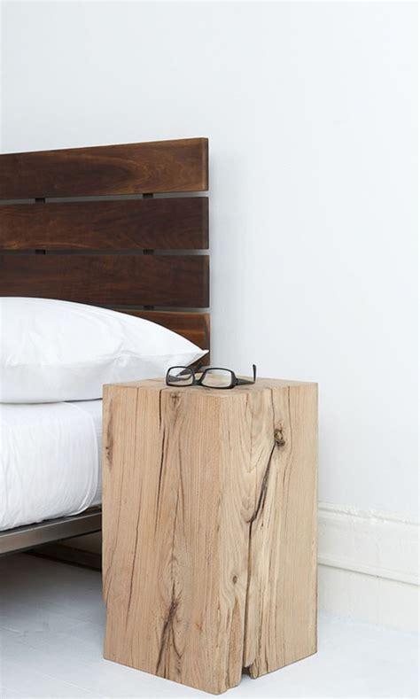 table de nuit deco quelle d 233 co en bois pour la chambre 224 coucher adulte