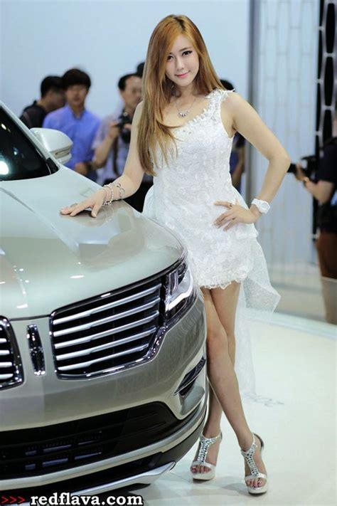 wallpaper mobil cantik galeri photo spg model di event motor show korea 2014
