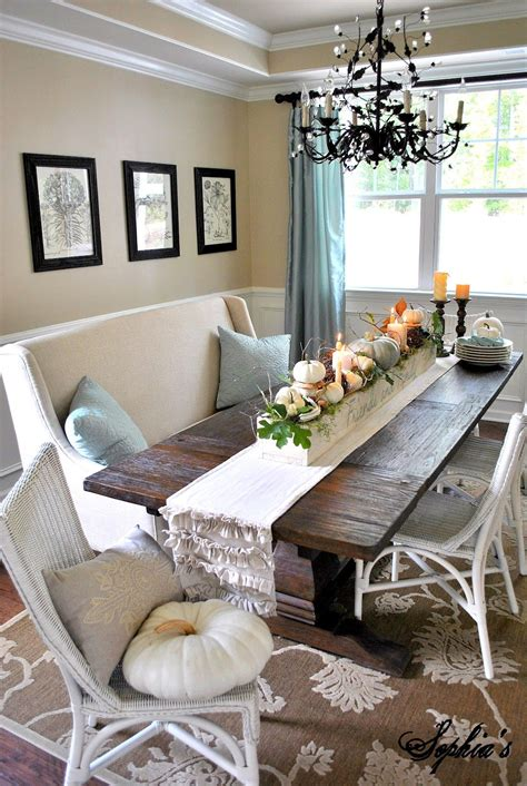 Dining Table Centerpiece Ideas For Everyday by Centerpieces And Table Decors Capture Fall S Beauty
